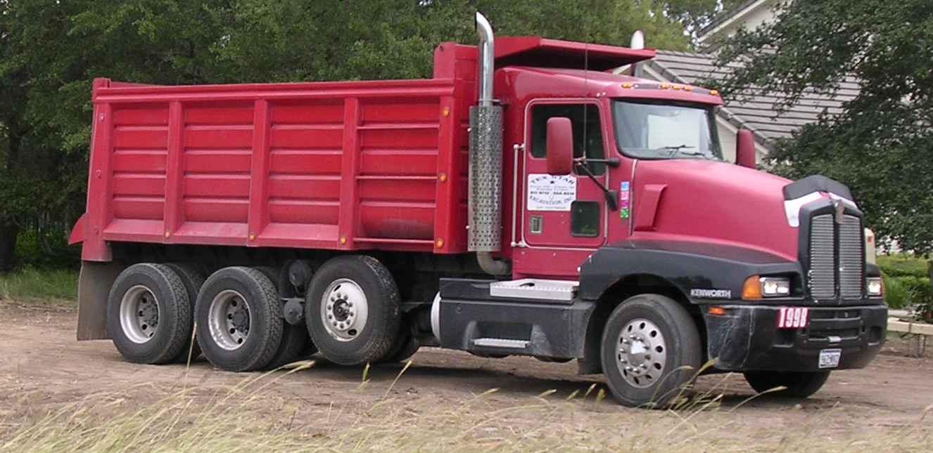 Triaxle_dump_truck_2005-10-06.km
